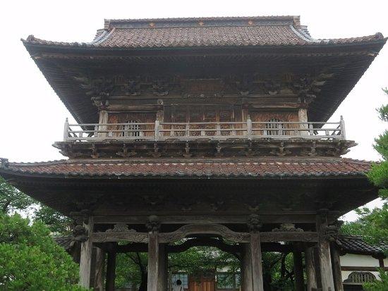 立派な楼門 - 宝光寺の口コミ - ...