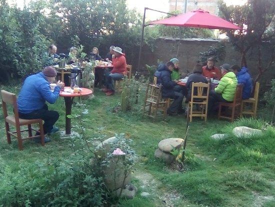 Hostel Casa del Montañista: area desayuno