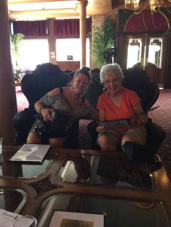 Tonopah, NV: Angie and Marlene relaxing before lunch