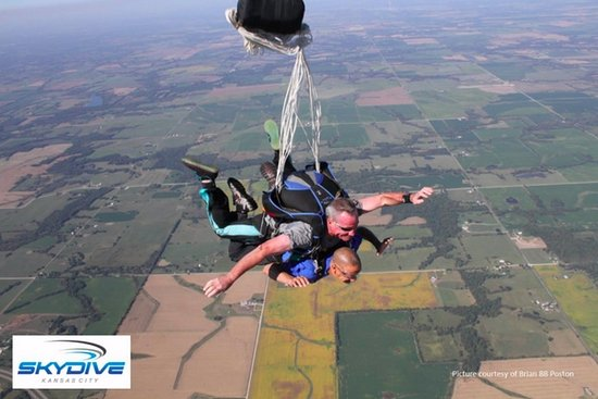 Butler, MO: tandem student experiences freefall