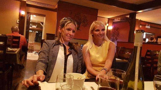 Victoriaville, Canadá: Belle salle a manger. Bon et prix pas trop chère. Apporter votre vin.