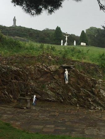 Slieve Patrick Statue: photo1.jpg