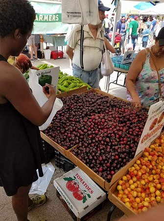 Grand Army Plaza Farmers' Market