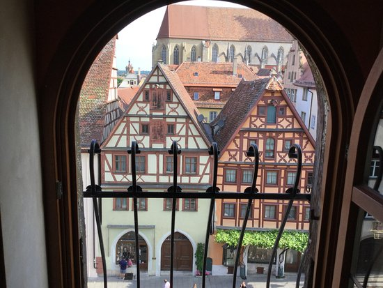 Hotel Gotisches Haus: View out the front