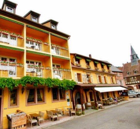 Hotel a l 39 arbre vert kaysersberg frankrig hotel for Hotels kaysersberg