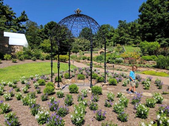 Oakdale, PA: Pittsburgh Botanic Garden