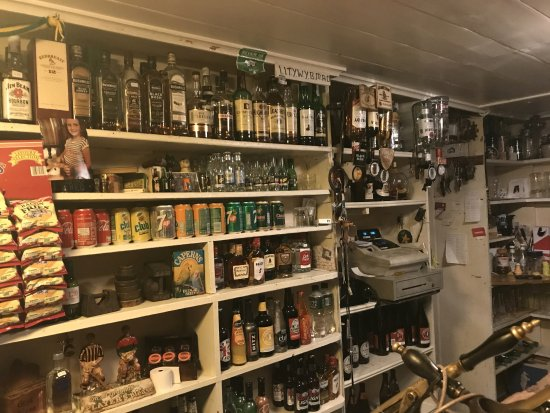 Stoneyford, Irlande : Behind the bar on one side
