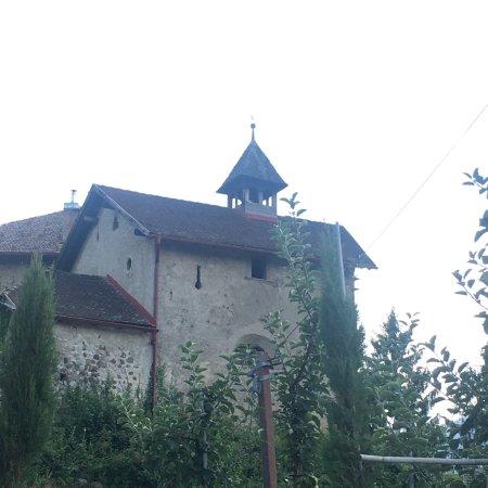 Chiesetta torre ottagonale ponte foto di castel valer for Piani di ponte ottagonale