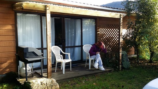 Marahau, New Zealand: Porch Braai Area