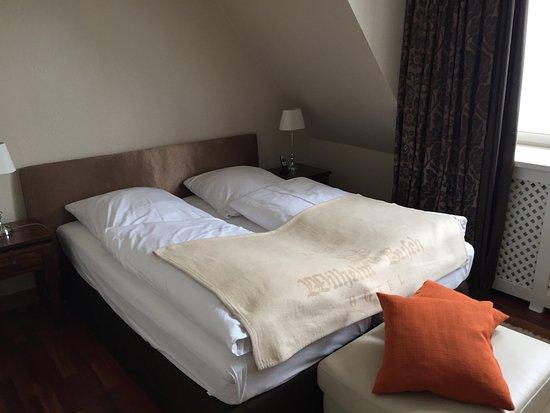 Hotel Wilhelm Busch : Bett