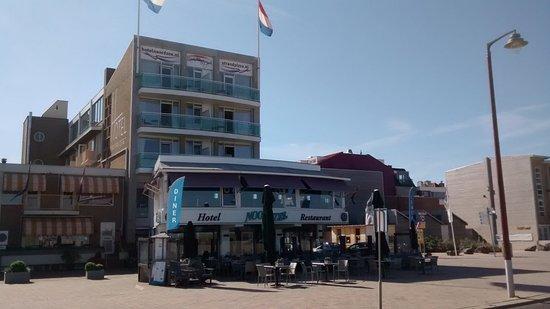Hotel Noordzee : On the boulevard