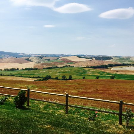 Poggio Tobruk: Beautiful rolling hills