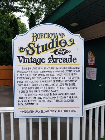 Olcott, État de New York : History of the Arcade