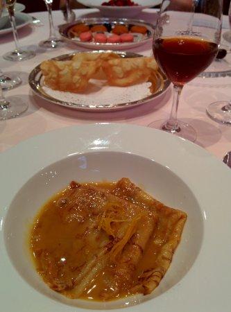 Restaurant Pierre Orsi: Crêpe Suzette, un vrai bon dessert qui mériterait d'être mieux présenté...