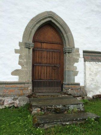 Harstad, Norvegia: Door into Trondenes Kirke (Church)