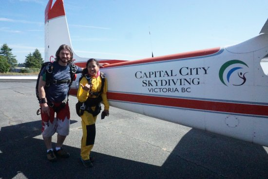 North Saanich, Canada: Capital City Skydiving! The Best!