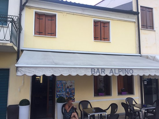 Albettone, إيطاليا: Bar Alpino