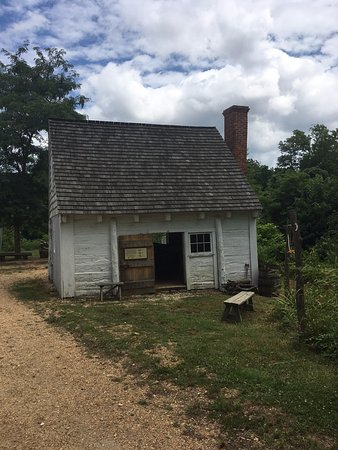 Hollywood, MD: Sotterley Slave Cabin