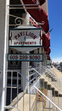 Pavilion Motor Lodge: we offer week to week apartment rental - please call the office for details