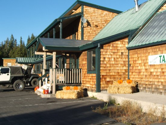 Front of Tamarack Lodge at Bear Valley