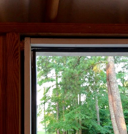 Huge Gap To Outside At Top Of Door Frame Picture Of Pine Mountain
