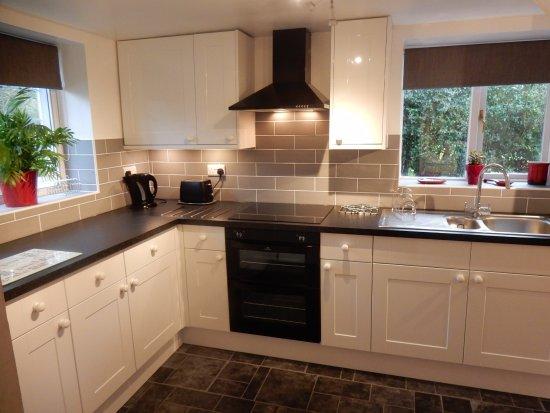 Burgate Farmhouse: New kitchen in Wishing Well (Feb 2017)