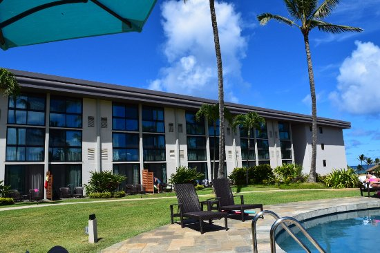 The Smaller Of The Two Pools Picture Of Hilton Garden Inn Kauai Wailua Bay Kapaa Tripadvisor