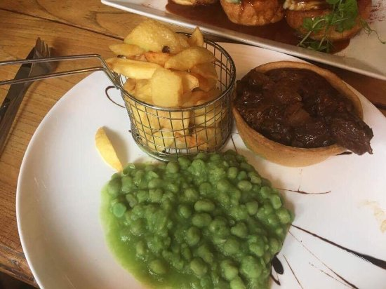 Broughton-in-Furness, UK: Best pub food I've ever had - great meal!