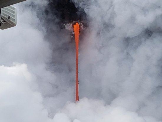 Captain Gene's Lava Boat Tours: lava tube into ocean