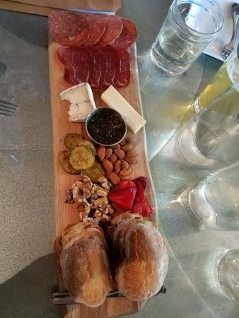 Winters, CA: Sampler platter for the table to share