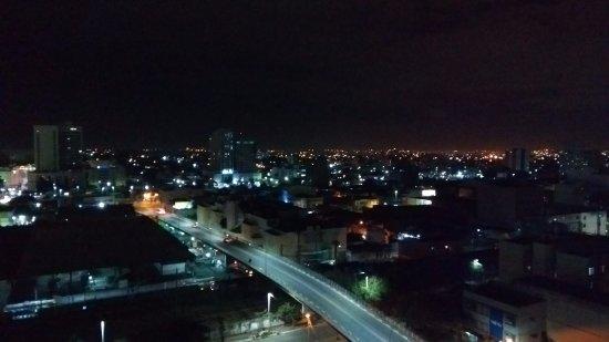 Nova Iguacu, RJ: Vista noturna do apartamento 908