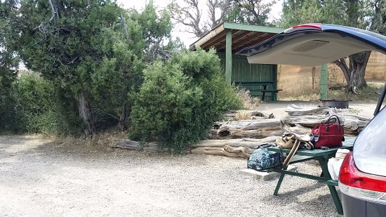 Mancos, CO : Tent site and neighboring tent site with shelter