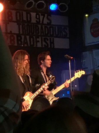 The Struts at Bottle & Cork May 2017