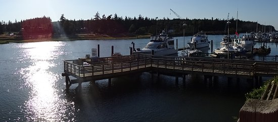 La Conner, WA: panoramic view from the room - evening time