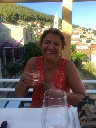 Smokvica, Croácia: My moms first wine tasting. Such a lovely time. The owner was so sweet and the wine is truly ama