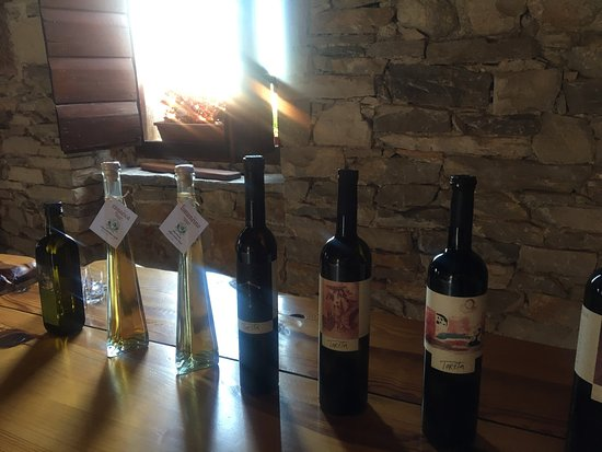 Smokvica, โครเอเชีย: My moms first wine tasting. Such a lovely time. The owner was so sweet and the wine is truly ama