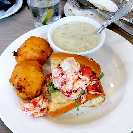 Top of The Bay: This was one of their specials; Lobster roll, Crab cakes and white clam chowder
