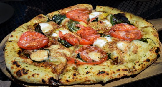 Dubuque, IA: Gourmet Wood-Fired Pizza!
