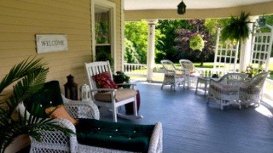 Interlaken, Estado de Nueva York: Amazing wrap around porch