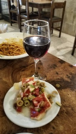 Anglo Maltese League: Wine and bread
