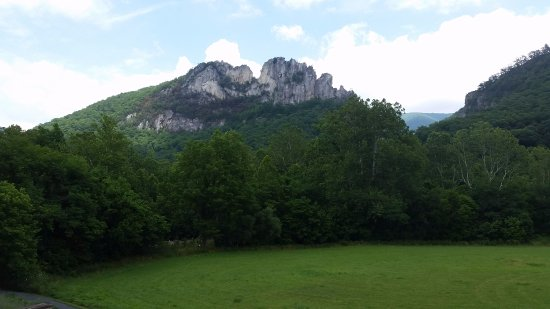 Seneca Rocks, WV: Rocks from the Discovery Center