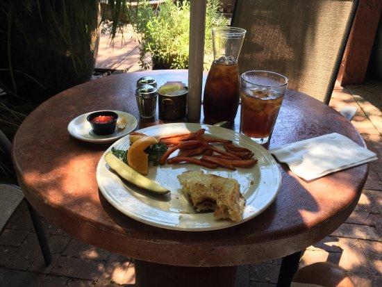 Judi's Restaurant & Lounge: photo0.jpg
