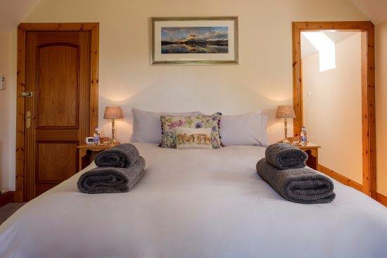 Little Loch Broom, UK: Room 3 King size bed with En-suite