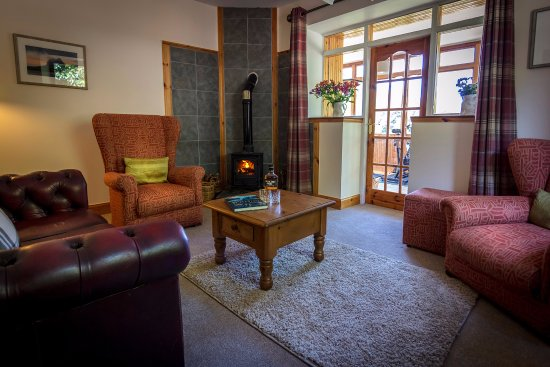 Little Loch Broom, UK: Private lounge for Room 3