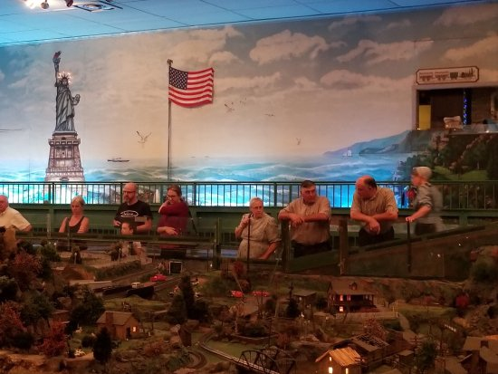 Shartlesville, PA: Roadside America