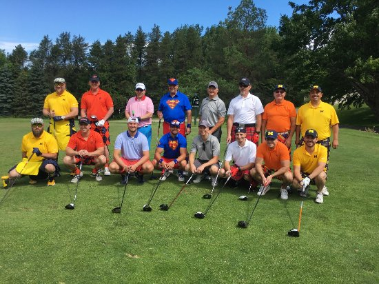Evergreen Resort : Our golf group!