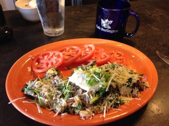 Burlington, WA: Joe's Scramble with sliced tomatoes and coffee
