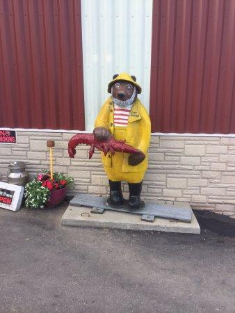 Belfast, ME: Here's the bear in lobsterman's garb!