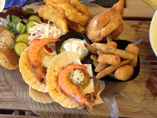 Beesands, UK: Mixed seafood platter for two - delicious!