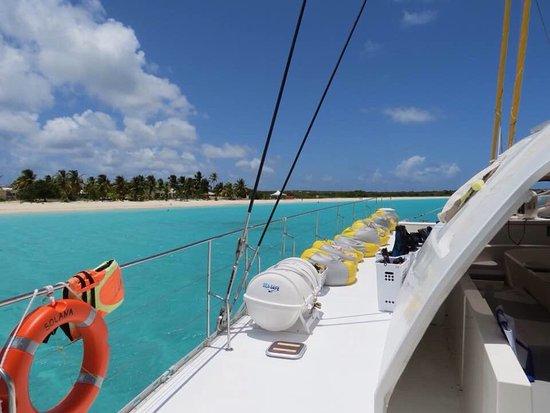Winner Touch: Bateau Solana en visite aux iles de Tintamarre et Anguilla, l'eau est superbe et le bateau bien